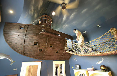 Bedroom Pirate Ship Theme 1