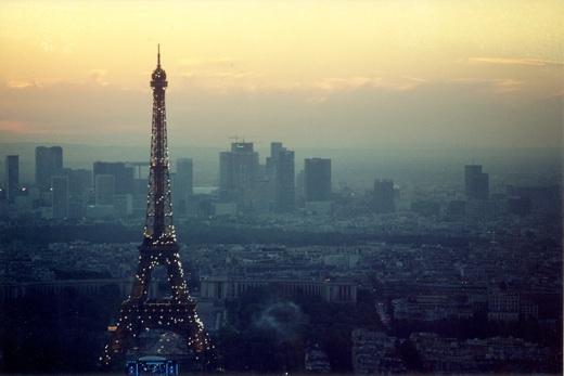 Eiffeltoweratsunset